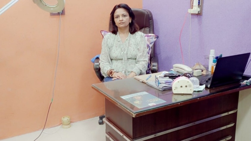Dr Parul Goyal (Parul ENT Skin & Laser Centre,Tohana) A well versed Cosmetologist & Dermatologist