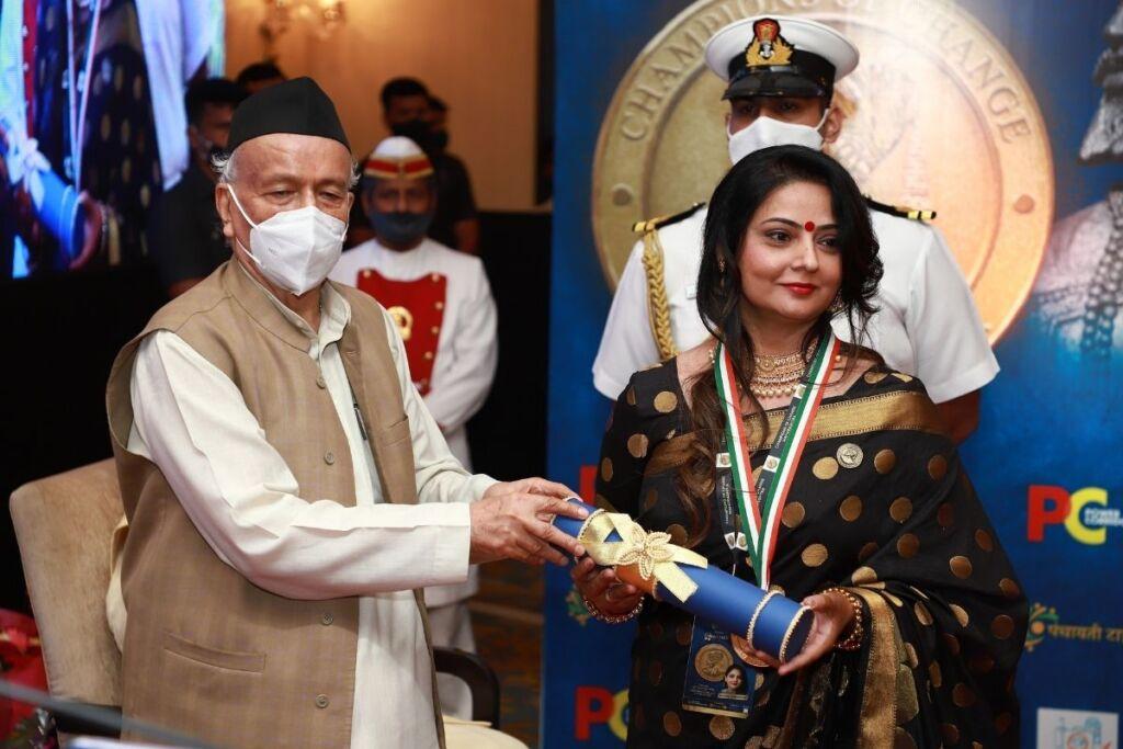 "Bhavini Khakhkhar Felicitated With the Prestigious Award of ""Champions of Change"" By the Hon'ble Governor of Maharashtra"
